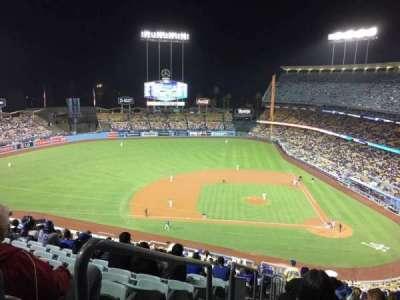 Dodger Stadium, sección: 11RS, fila: U, asiento: 24