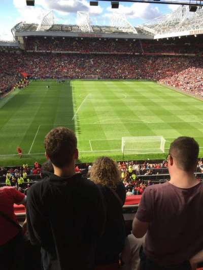 Old Trafford, sección: E333, fila: 4