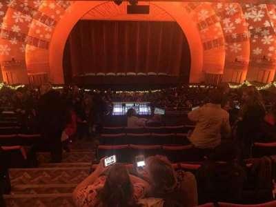 Radio City Music Hall, sección: 2nd Mezzanine 4, fila: J, asiento: 410