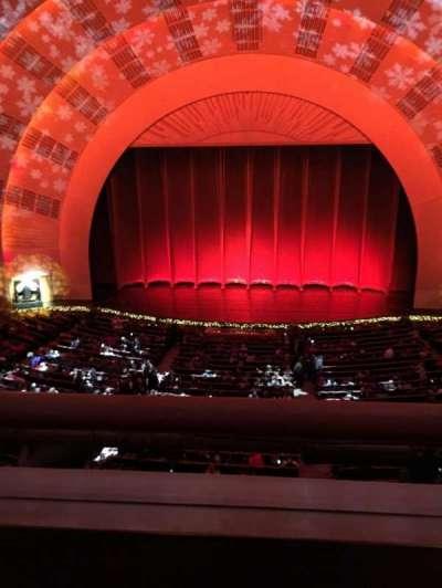 Radio City Music Hall, sección: 2nd Mezzanine 4, fila: A, asiento: 402