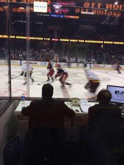 Allstate Arena, sección: 103, fila: DD, asiento: 1