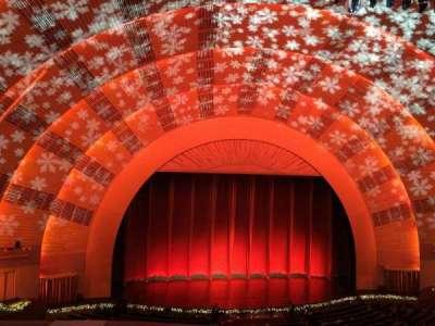 Radio City Music Hall, sección: 2nd Mezzanine 5, fila: A, asiento: 510