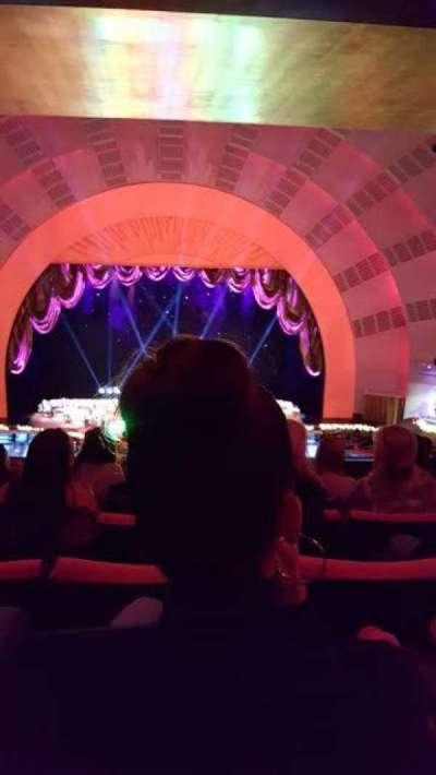 Radio City Music Hall, sección: 2nd Mezzanine 4, fila: H, asiento: 408