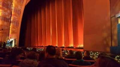 Radio City Music Hall, sección: Orchestra 2, fila: JJ, asiento: 201