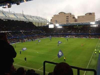 Stamford Bridge, sección: Matthew Harding upper, fila: H, asiento: 223
