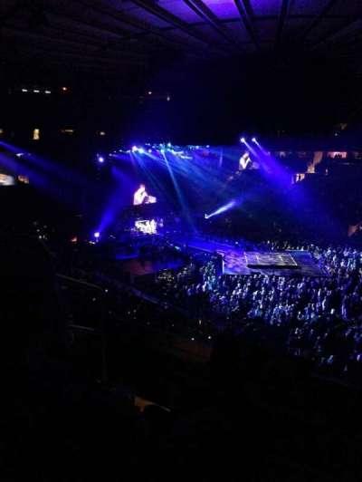 Madison Square Garden, sección: 227, fila: 4, asiento: 4