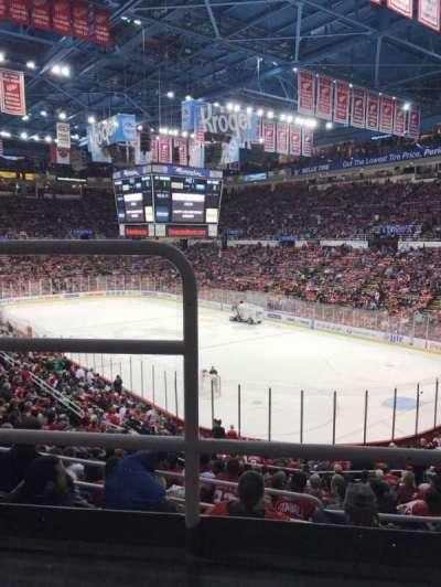 Joe Louis Arena, sección: 217, fila: 2, asiento: 16