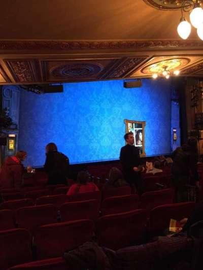 Walter Kerr Theatre, sección: OrchL, fila: R, asiento: 13