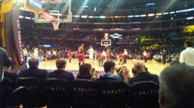Staples Center, sección: 115, fila: B, asiento: 5