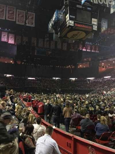 Joe Louis Arena, sección: 104, fila: 3, asiento: 3