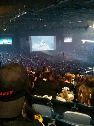 Allstate Arena, sección: 216, fila: O, asiento: 26
