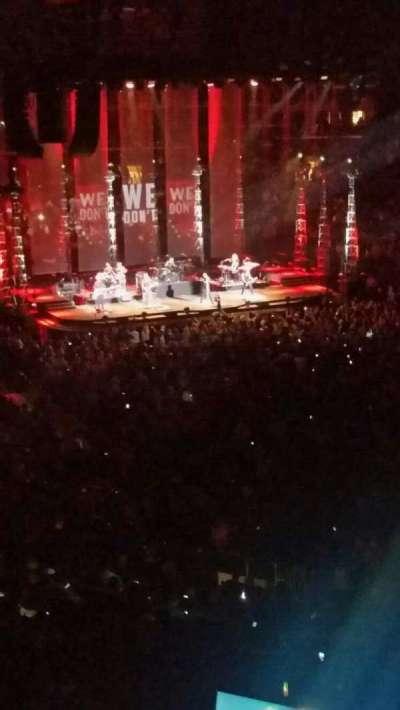 Madison Square Garden, sección: 201, fila: 3, asiento: 5