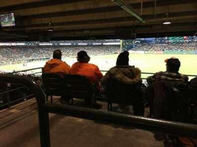 AT&T Park, sección: 104, fila: 42, asiento: 3-7