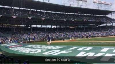 Wrigley Field, sección: 30, fila: 2, asiento: 3