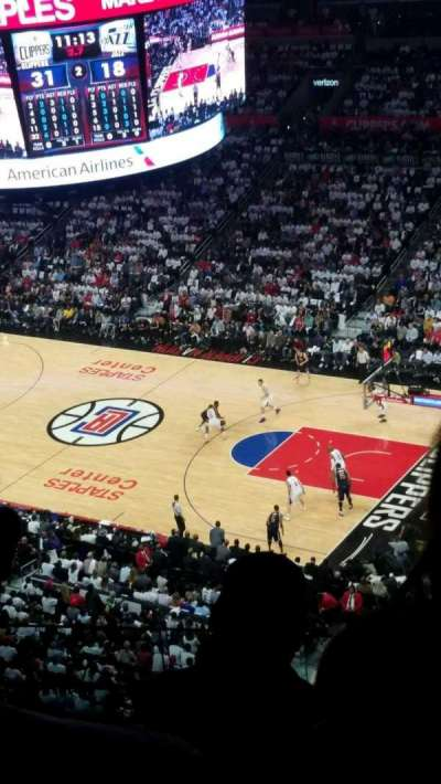 Staples Center, sección: 332, fila: 3, asiento: 7