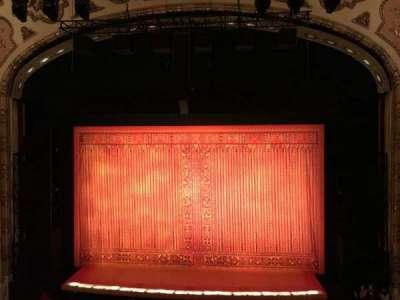 Cadillac Palace Theater, sección: Loge C, fila: A, asiento: 319