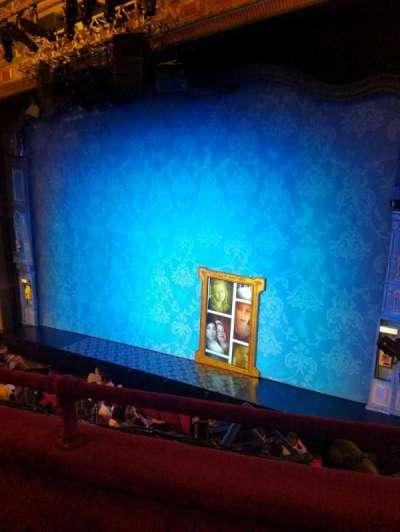 Walter Kerr Theatre, sección: mezz rgt, fila: b, asiento: 14