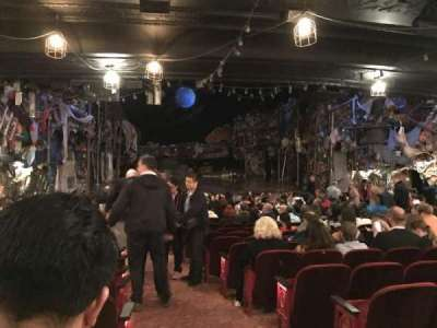 Neil Simon Theatre, sección: Orchestra, fila: U, asiento: 1