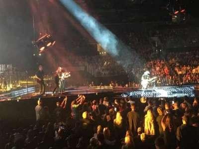 Staples Center, sección: 114, fila: 10, asiento: 1