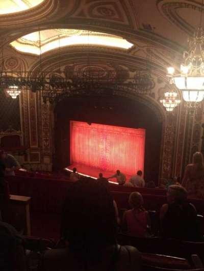Cadillac Palace Theater, sección: BALCFR, fila: O, asiento: 36
