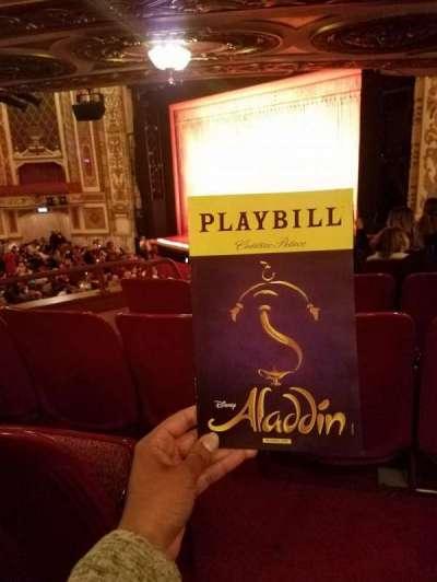 Cadillac Palace Theater, sección: DCIRFR, fila: HH, asiento: 14