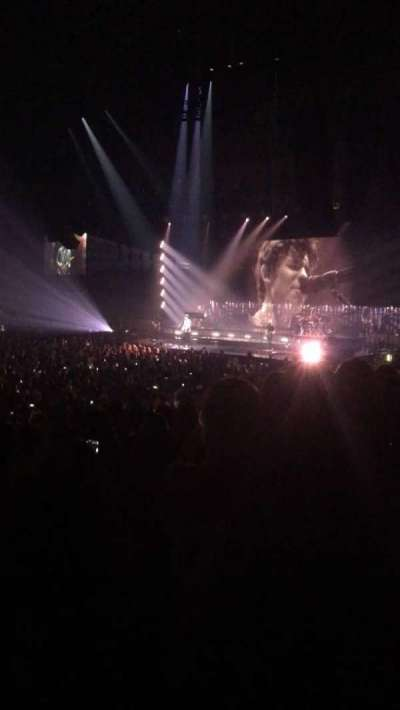 Allstate Arena, sección: 111, fila: L, asiento: 15