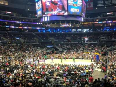 Staples Center, sección: 206, fila: 1, asiento: 5