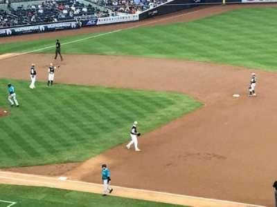Yankee Stadium, sección: 214A, fila: 18, asiento: 2