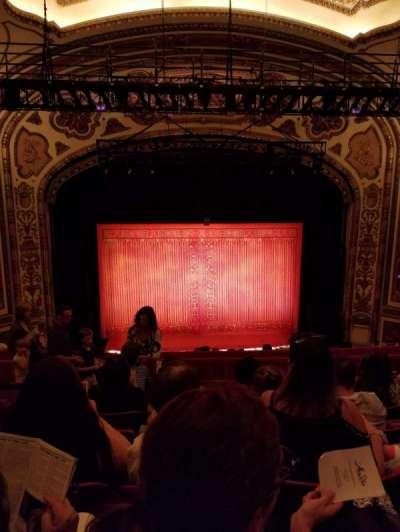 Cadillac Palace Theater, sección: Balcony, fila: J
