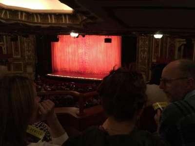Cadillac Palace Theater, sección: Dress circle right, fila: MM, asiento: 16