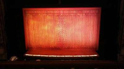 Cadillac Palace Theater, sección: Loge, fila: A, asiento: 318