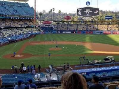 Dodger Stadium, sección: 124LG, fila: L, asiento: 1