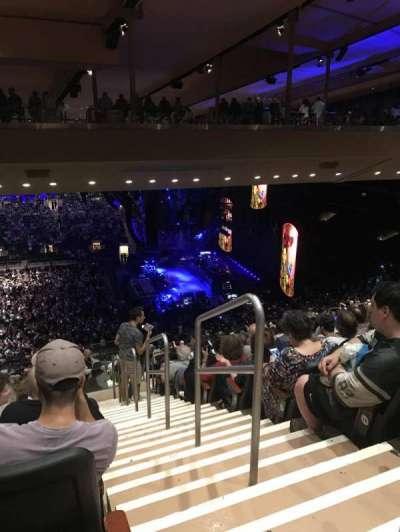 Madison Square Garden, sección: 211, fila: 19, asiento: 22