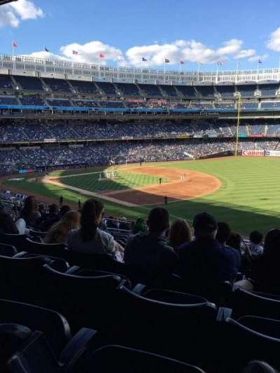 Yankee Stadium, sección: 211, fila: 19, asiento: 13