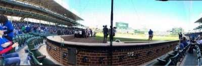 Wrigley Field, sección: 22, fila: 2, asiento: 4