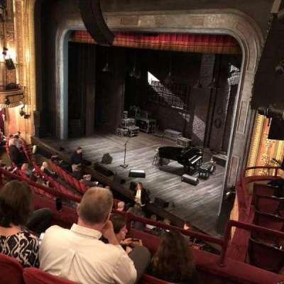 Walter Kerr Theatre, sección: Mezz R, fila: D, asiento: 26