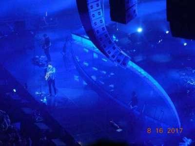 Madison Square Garden, sección: 207, fila: 8, asiento: 18