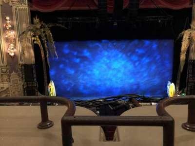 Oriental Theatre, sección: Loge-C, fila: A, asiento: 301