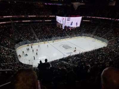 T-Mobile Arena, sección: 202, fila: M, asiento: 1