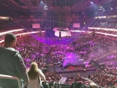 T-Mobile Arena, sección: 213, fila: J, asiento: 1