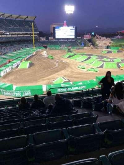 Angel Stadium, sección: 331, fila: H, asiento: 13