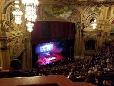 Chicago Theatre, sección: Balcony Box, fila: 8, asiento: 63