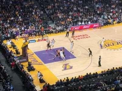 Staples Center, sección: 321, fila: 1, asiento: 3