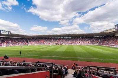 St Mary's Stadium, sección: 30