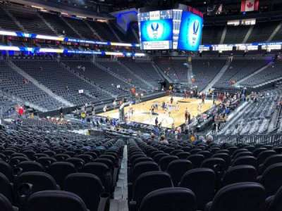 T-Mobile Arena, sección: 2, fila: W, asiento: 13