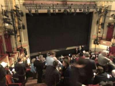 Neil Simon Theatre, sección: Front Mezzanine, fila: H, asiento: 1