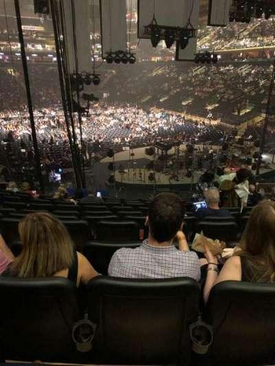 Madison Square Garden, sección: 111, fila: 17, asiento: 13