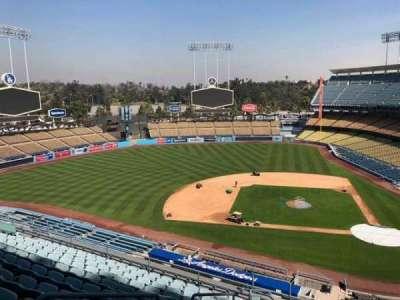 Dodger Stadium, sección: 11RS, fila: L, asiento: 19