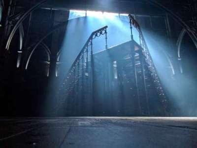 Lyric Theatre, sección: ORCH L, fila: AA, asiento: 3
