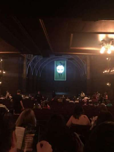 Lyric Theatre, sección: Orchestra Right, fila: W, asiento: 8-10
